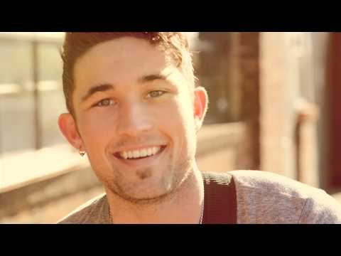 "Michael Ray - ""Kiss You In The Morning"" (Acoustic Session)"