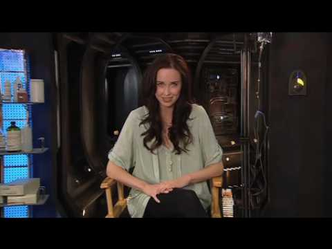 Stargate Universe's Elyse Levesque on male leads