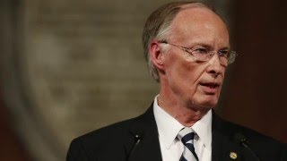 Recording of Alabama Governor Robert Bentley making sexually suggestive comments
