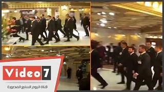 """بالفيديو.. لحظة وصول """"ميسى"""" لمقابلة عمرو أديب بفندق مينا هاوس"""