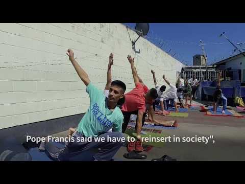 Yoga in prison - Teaching yoga in a high security prison in Buenos Aires [EN]