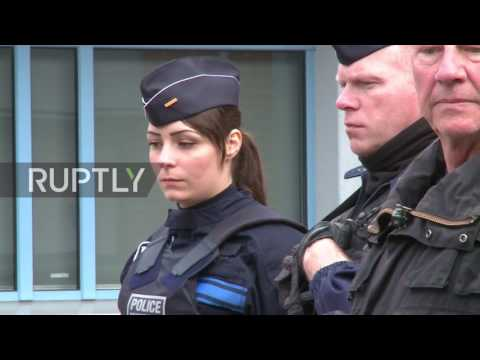 France: Voters met by armed security ahead of Le Pen's arrival in Henin-Beaumont