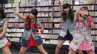 2016年5月25日 川崎タワーレコードで行われた「ONE」リリース先行予約イ...