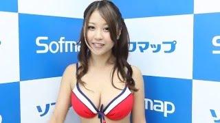 2011年7月31日におこなわれたソフマップのDVD発売イベントに西田麻衣ク...