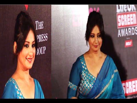 Divya Dutta in a low neck saree blouse at Life Ok Screen Awards 2015.