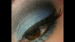 BLUE SMOKEY EYE SHADOW TUTORIAL Thumbnail