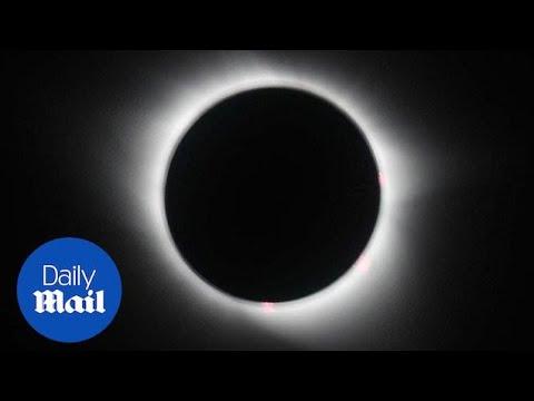 Plane passengers have unique eclipse experience - Daily Mail
