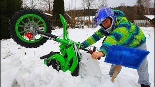 Funny Video For Children Baby Ride on Dirt Cross Bike Power Wheel Pocket Bike Stuck in Snow Help