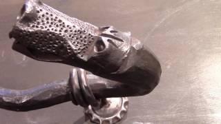 Кованая дверная  ручка.Художественная ковка металла.(В этом видео показана кованая дверная ручка,обзор ее,из какого материала сделана,размеры и какие кованые..., 2016-11-08T09:30:00.000Z)