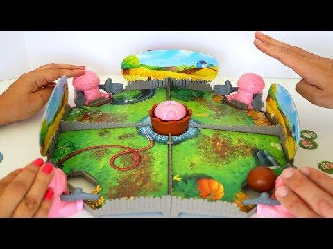 TotoyKids jugando a Los Cerditos que se Bañan en el Lodo Niños contra Niñas!!! Quién ganará???