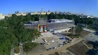 Time-lapse видео реконструкции нового здания Музея «Гараж»(12 июня 2015 года «Гараж» открыл для посетителей двери своего первого постоянного дома на территории Парка..., 2016-07-10T11:49:57.000Z)