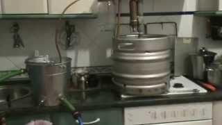 самогонный апарат    Moonshine Making(, 2014-04-24T15:39:29.000Z)