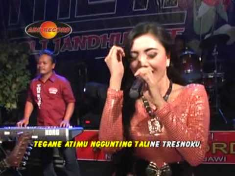 Deviana Safara - Rontang Ranting (Official Music Video)