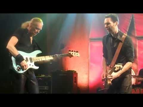 MR. BIG - 6/7: Addicted To That Rush (Live...