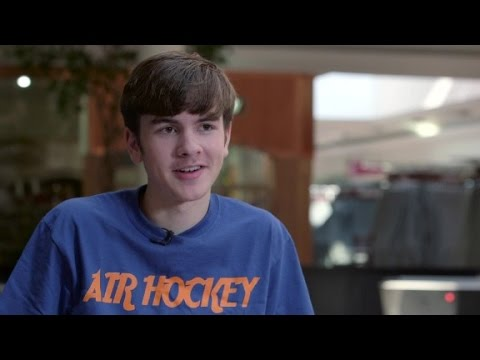 The world's youngest air hockey champion