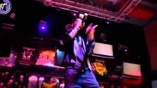 Young Killer a k a Msodoki akiwa live kwenye show ndani ya Maisha club