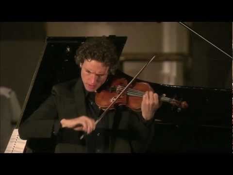 "Tim Fain plays Philip Glass' ""EINSTEIN ON THE BEACH"" violin solo"