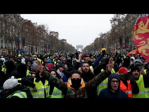 شاهد: دقيقة صمت لمتظاهري السترات الصفراء حدادا على ضحايا ستراسبورغ  - نشر قبل 40 دقيقة