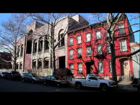 ^MuniNYC - Hewes Street & Broadway (Williamsburg, Brooklyn 11211)