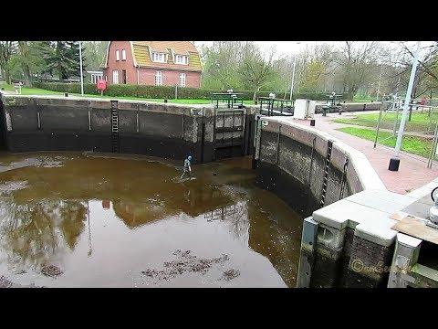 Emden Nov 2017 Leerung der Emder Kesselschleuse Renovierung Schleuse
