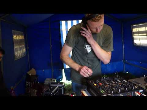 Space Piknik 2015 - Cirkus Alien - 2.8. - 13:54 from YouTube · Duration:  19 minutes 26 seconds