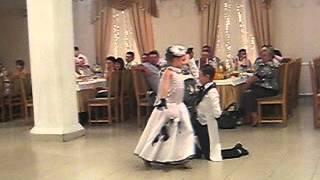 танц-колектив ИМПУЛЬС Окница,(танец жениха и невесты)