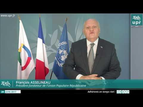 François Asselineau répond aux questions des internautes en direct sur YouTube