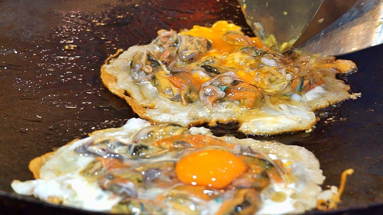 Oyster omelette (hoy tod, 蠔仔餅, หอยทอด) - Thai street food