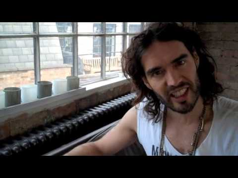 Is Renee Zellweger Getting Older? Russell Brand The Trews (E12)