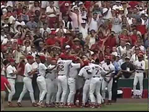 Mark McGwire and Sammy Sosa: Why We Cheered