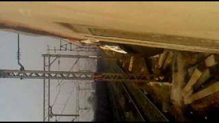 ek bandar train ke andar part 2 mp4