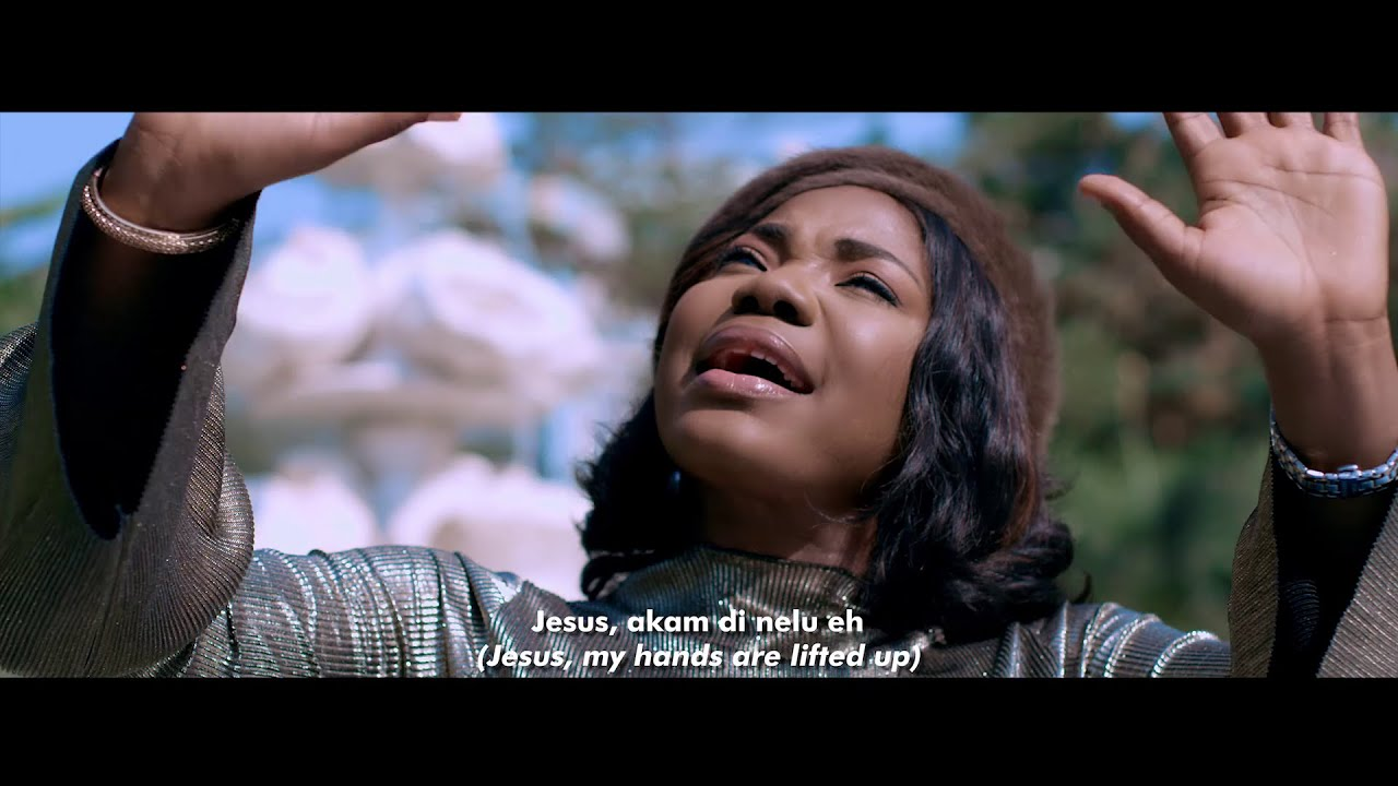 Download Mercy Chinwo - Akamdinelu (Official Video)