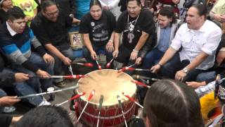 Repeat youtube video Poundmakers Tribute Song to Devere Tsatoke, FSIN Powwow 2011
