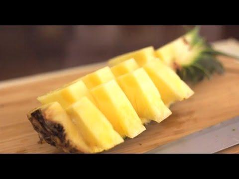 Como cortar abacaxi: jeito muito fácil e prático