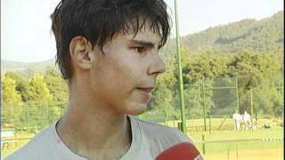Rafael Nadal entrenando con Toni Colom y entrevistado en el future vigo -agosto 02-