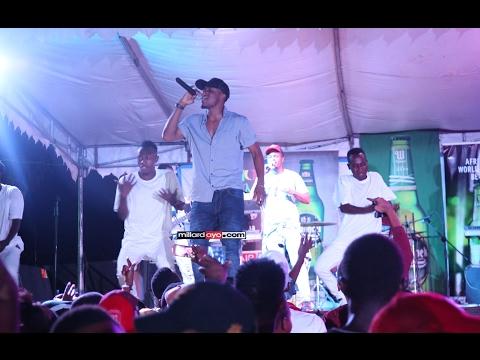 Alikiba alivyoimba LIVE na band yake Dodoma FEB 4 2017