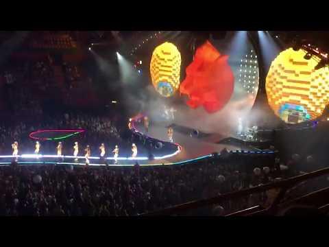 Katy Perry - Roar (Live @ Ericsson Globe, Stockholm 180610)