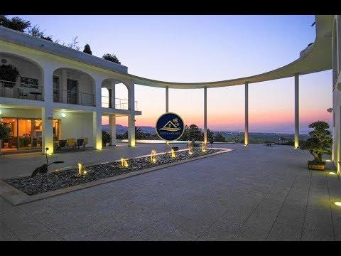 Luxury Modern Mansion