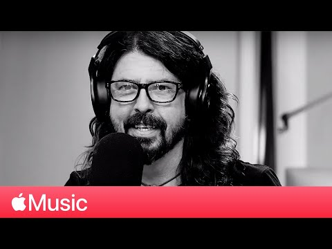 It's Electric! Dave Grohl meets Lars Ulrich on Beats 1 [Full