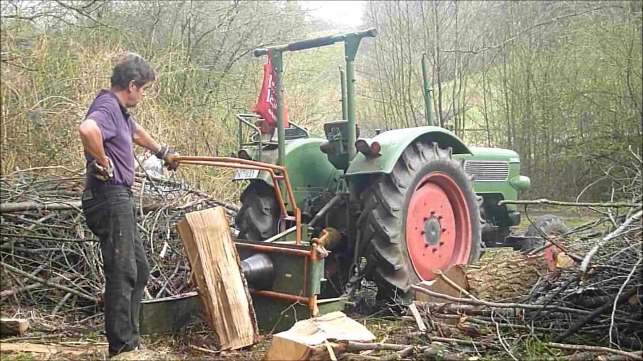 Holz Spalten 2013 mit Fendt Farmer 2 D und Kegelspalter ...