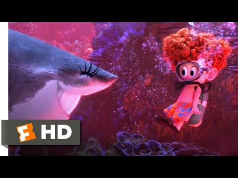 Hotel Transylvania 3: Summer Vacation - Monsters Under The Sea Scene | Fandango Family