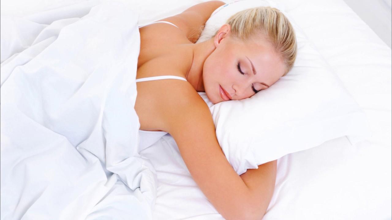 Можно ли беременным спать на животе? - YouTube