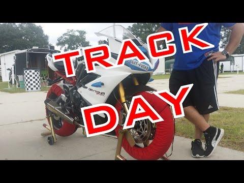 Redline&#;s Track Day  /  Triumph Daytona R