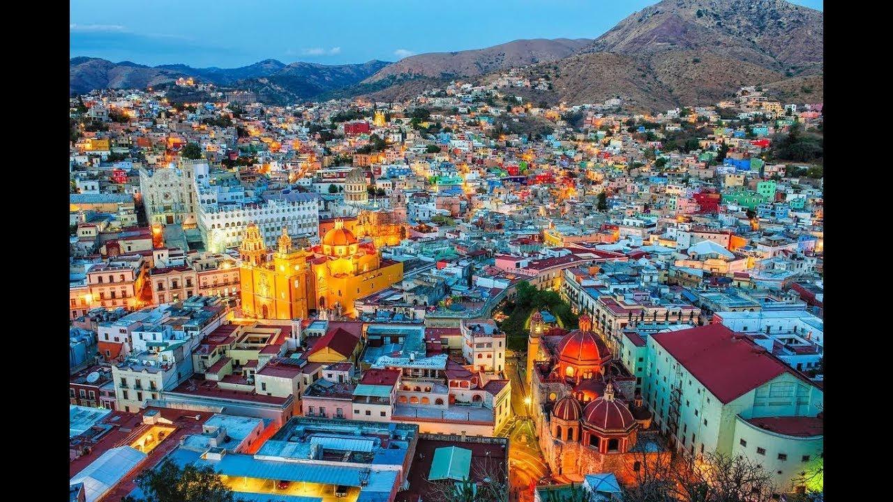 La Riviera Maya es una región ubicada en el sureste de México junto a las costas del mar Caribe Con 120km de extensión sus cristalinas aguas playas de arena