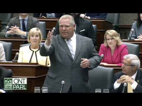 Doug Ford, Andrea Horwath debate changes to Toronto city council