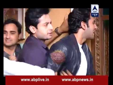 Sagar secretly watches Gangaa dancing