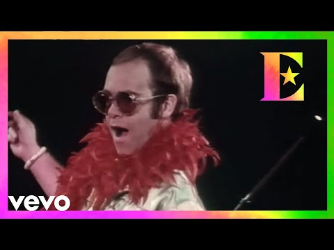 Step Into Christmas.Elton John Step Into Christmas Youtube