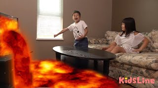 floor is lava テレビから溶岩が飛び出してきた!! マグマ おゆうぎ こうくんねみちゃん フロア イズ ラヴァ