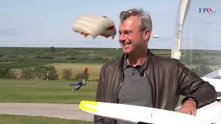 Norbert Hofer begeistert beim Flugtag  in Krems die Menschen!