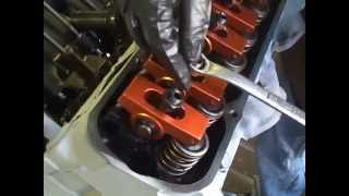 Setting Hydraulic lifters with roller rockers on a 400 Pontiac